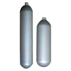 Welded low carbon steel cylinders for low pressure liquefiable gases not exceeding 5 litre water capacity